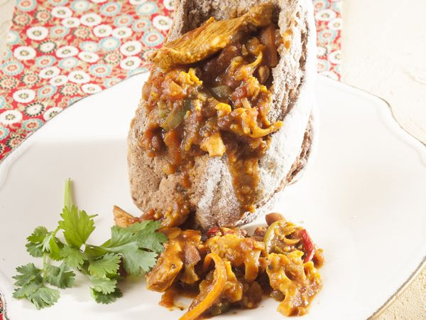 Chicken bunny chow with rye bread