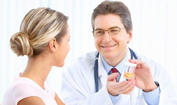 В профилактических и лечебных целях препараты биотина назначают при заболеваниях кожи, ногтей и волос - применяют при сухости или наоборот, повышенной жирности, ломкости, слабости и раннем проявлении седины