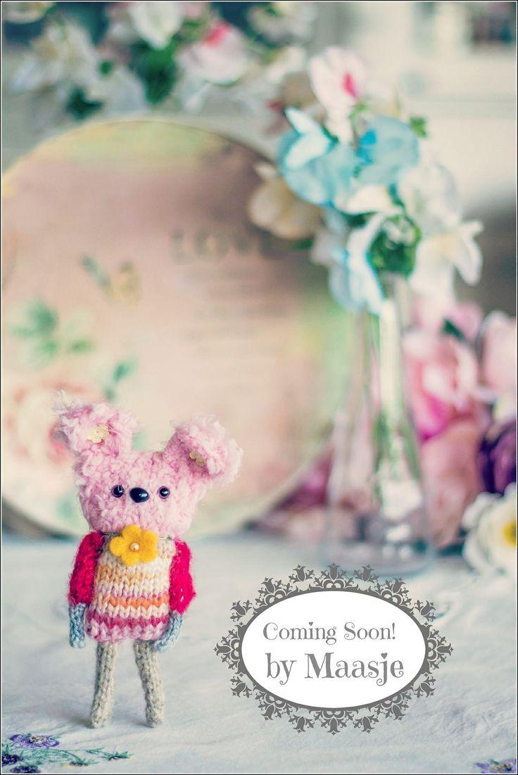 Knitted teddy by Maasje www.facebook.com/maasjecustoms www.etsy.com/shop/maasje