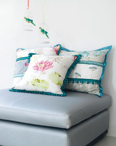 Loving these DIY pillows by Ariadne at Home