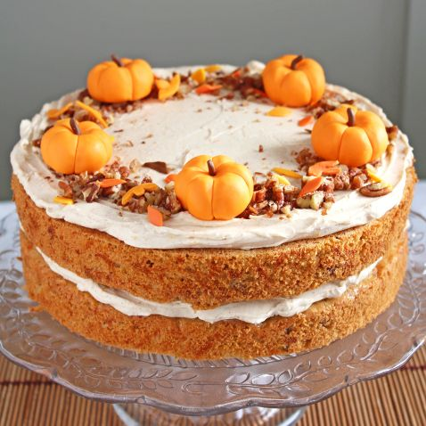 Seasonal Cakes example of cake from EVERSOSWEET.CO.UK