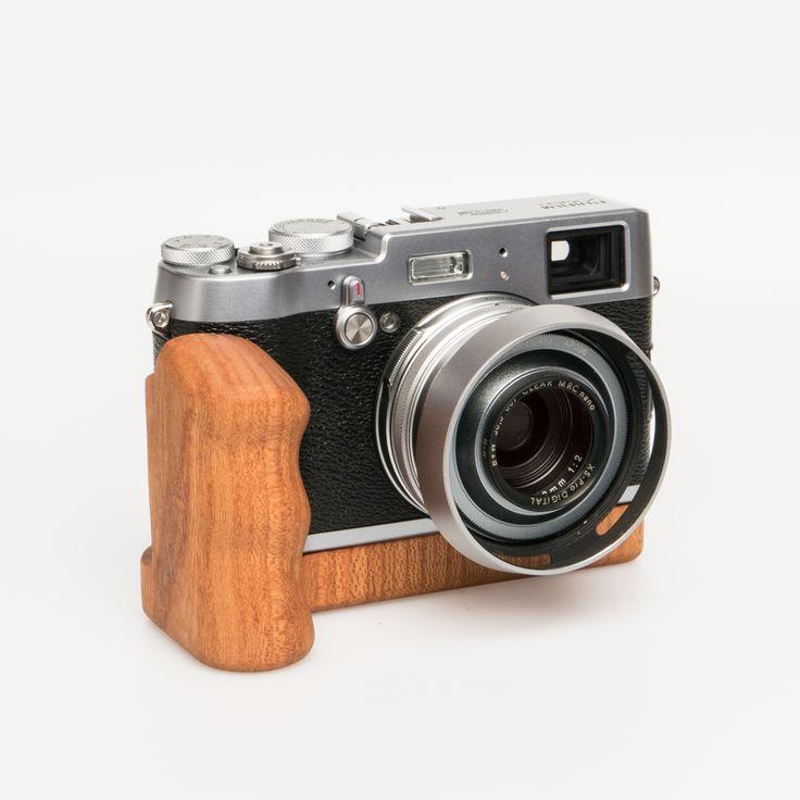 Fujifilm X100T silver with a big Holzgriff