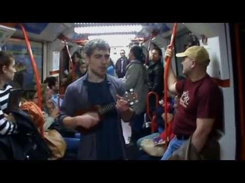 YA TENGO CURRO/ Metro Madrid- Enzo Vizcaíno