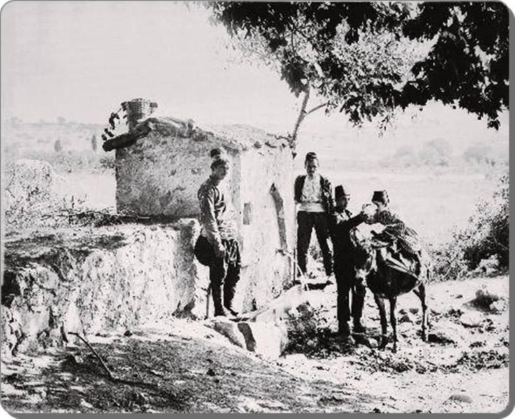 İstanbul - Kartal  Şeyhli Köyü yakınında Çam Çeşme / Kartal   (Sultan II. Abdülhamit arşivi)