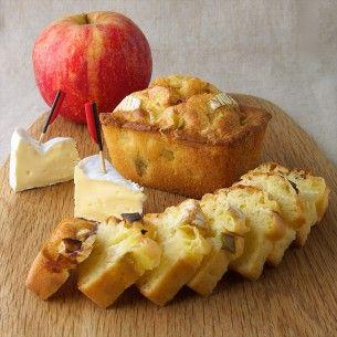 Découvrez notre recette de Cake Camembert aux pommes, un incontournable revisité facile à réaliser pour un apéritif dinatoire 100% plaisir !