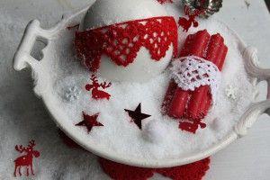 Fijn gehaakt kantje uit Inhaken op de winter om kerstbal