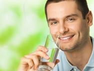 Los peligros de la deshidratación. Aprende más en www.achs.cl #safety #prevencion #calidaddevida