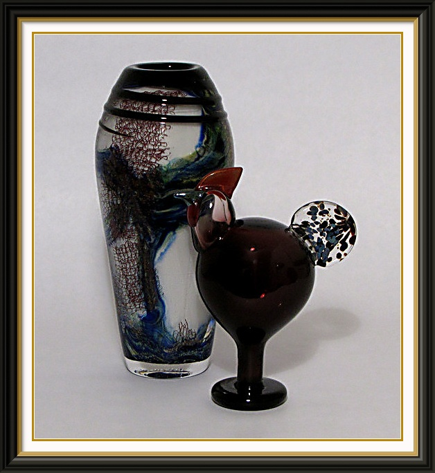 Studio photography Toikka glass bird with blown glass vase