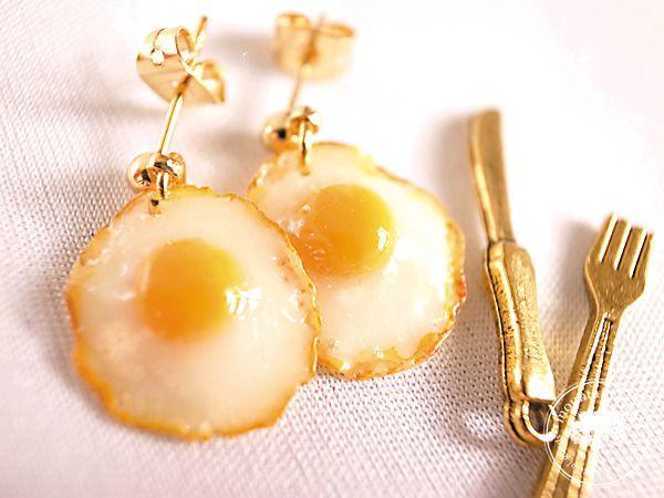 ☆再販☆ Fried Eggピアス by mountain*tree アクセサリー ピアス | ハンドメイド、手作り作品の通販・販売サイト minne(ミンネ)