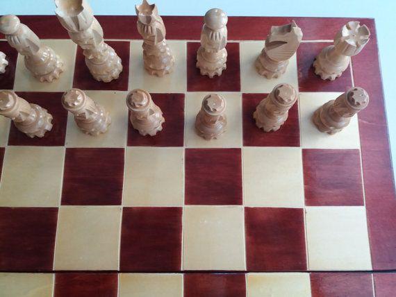 Nuevo ajedrez madera cara avellano de handcarved especial gran gran pieza 23.22 x 23.22 madera en caja de tablero de ajedrez, juego ajedrez de madera, regalo