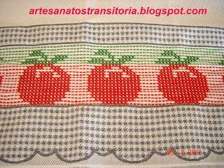 ARTESANATOS TRANSITÓRIA: tomates e cesta de maçãs no ponto oitinho