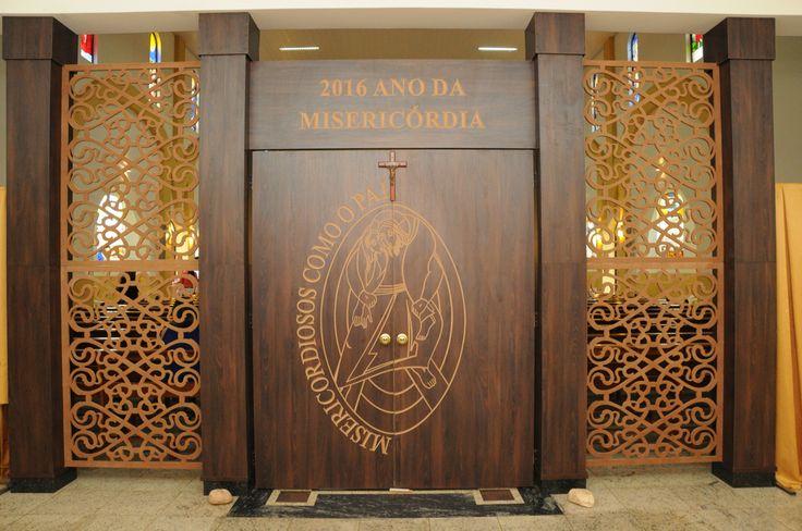 Serviço realizado na Catedral São Luís Gonzaga na cidade de São Luís de Montes Belos-Goiás, Criação e ezecução Studio Designer e montagem Rifeli Ambientes Planejados.