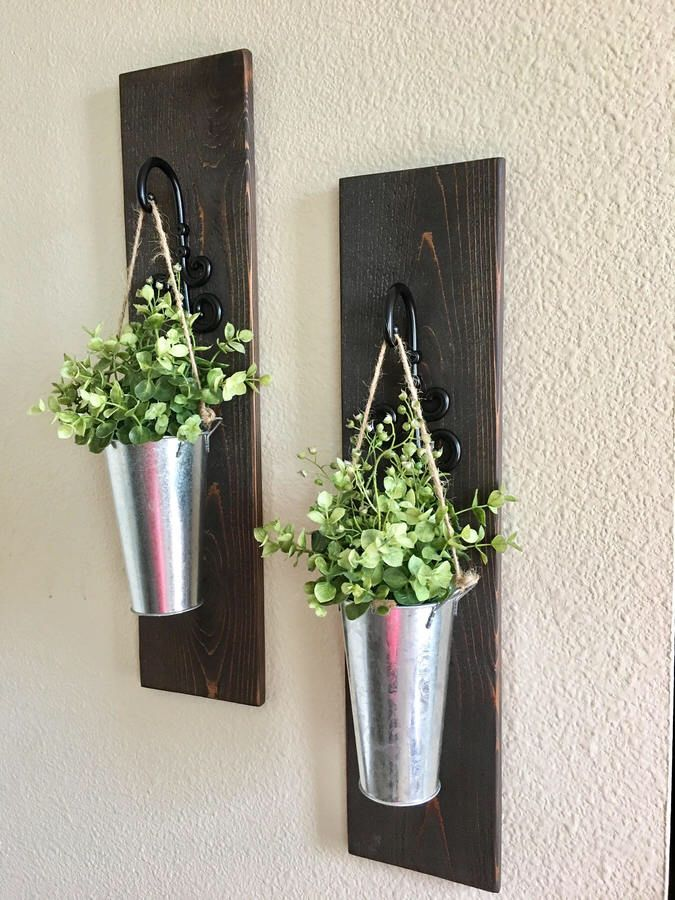 This Beautiful Hanging Planters Look Perfect For My Low Maintenance Kind Of Place Ad Farmhousedecor Metal Hanging Planters Hanging Wall Planters Country Wall Decor