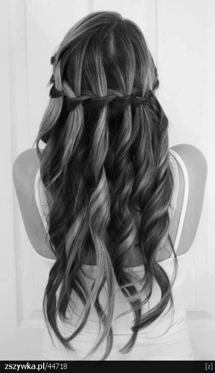 Sciogli i boccoli e intrecciali #questionidistile #hairartitaly