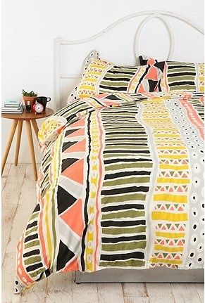 Urban Outfitters: aztec bedding