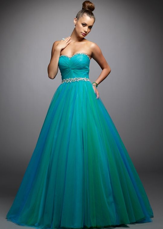 17 Best images about Dresses on Pinterest | Blue ball gowns, Prom ...