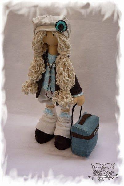 Mimin Dolls: Molde da famosa boneca russa by Andrea Malheiros