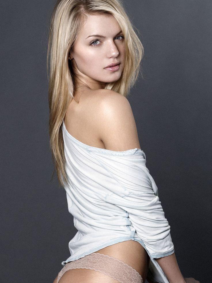 Amanda Gullickson Carissa Lancaster Photoshoot 2015