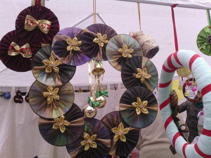 Corona navideña con cds