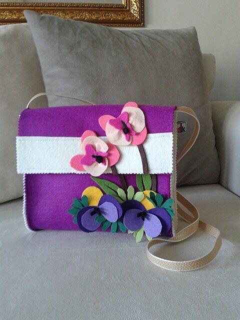 Askılı yaz güzeli keçe çanta