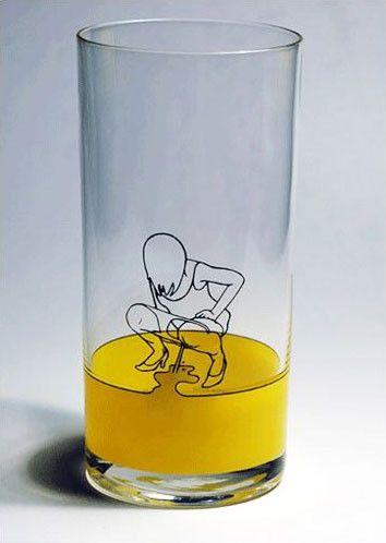 A creative water glass 6-26