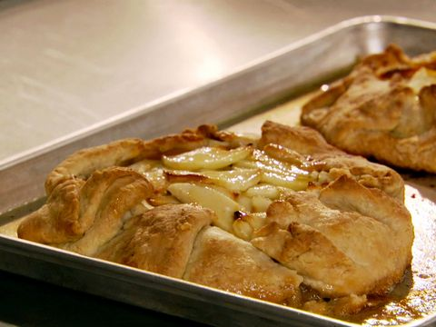 Ree's Flat Apple Pie with Perfect Pie Crust Videos : Food Network - FoodNetwork.com