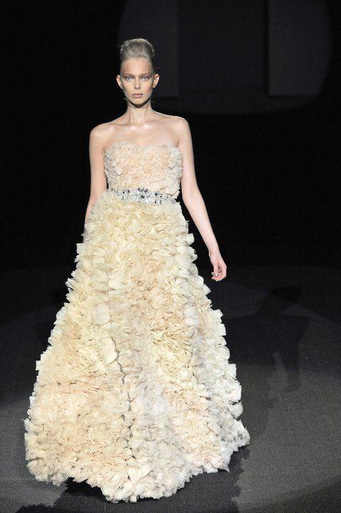 Najpiękniejsze suknie wieczorowe