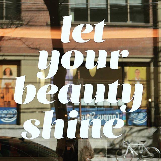 --- East Side Tings. #LetYourBeautyShine This Weekend! . . : Walkin by Langton Salon on King East . . #LangtonSalon #KingStreetEast #KingEast #IGoEastofYonge #TGIF #Friyay #Toronto #EastSideTO #TorontoEastside #LowerEastSide #Spotted #ExploringTO #PrettyThings #Beauty #Salon #Hair #Makeup #Skin #Decal #WindowDecal #PositiveVibes #GeorgeBrownCollege #GB #BackgroundTings #Learn #pinterestworthy