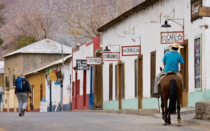 Este es Pisco Elqui, en pleno Valle del mismo nombre. Un buen lugar para conocer y recorrer todos los secretos de este lugar.