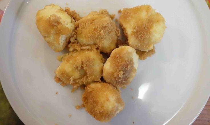 Quarkknödel aus Weizengrieß sind ein typisches Gericht aus dem Norden von Kroatien. Holen Sie sich jetzt kostenlose kroatische Rezepte im Kroatien-Blog!