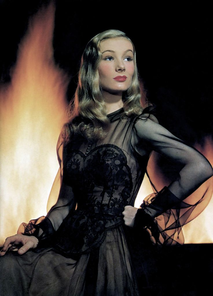 Veronica Lake in 'I Married a Witch'