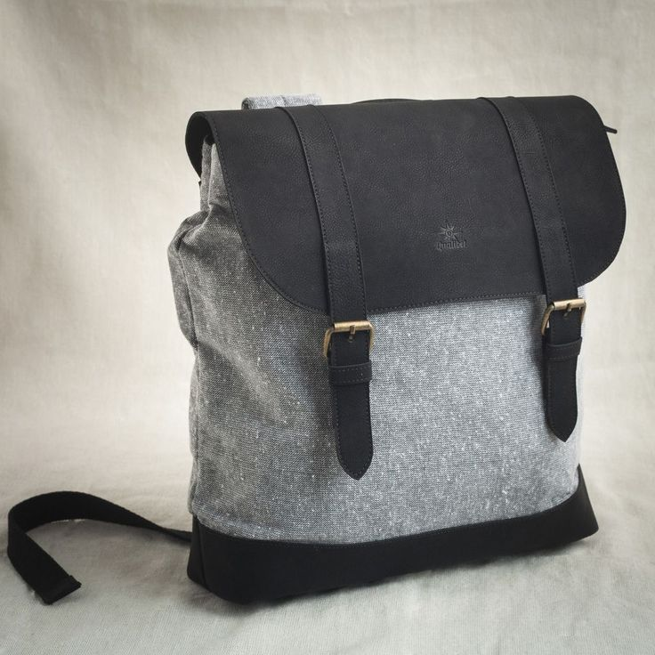 SQUARE BACKPACK BLACK X ECO