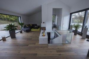 Parkettboden Landhausdiele in Eiche grau im Wohnbereich verlegt. #Neubau #Parkettboden #Landhausdiele #interior #interiordesogn