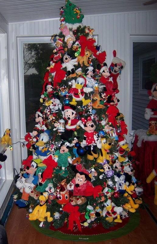 christmas tree decorated like mickey mouse images about christmas trees by creative people on