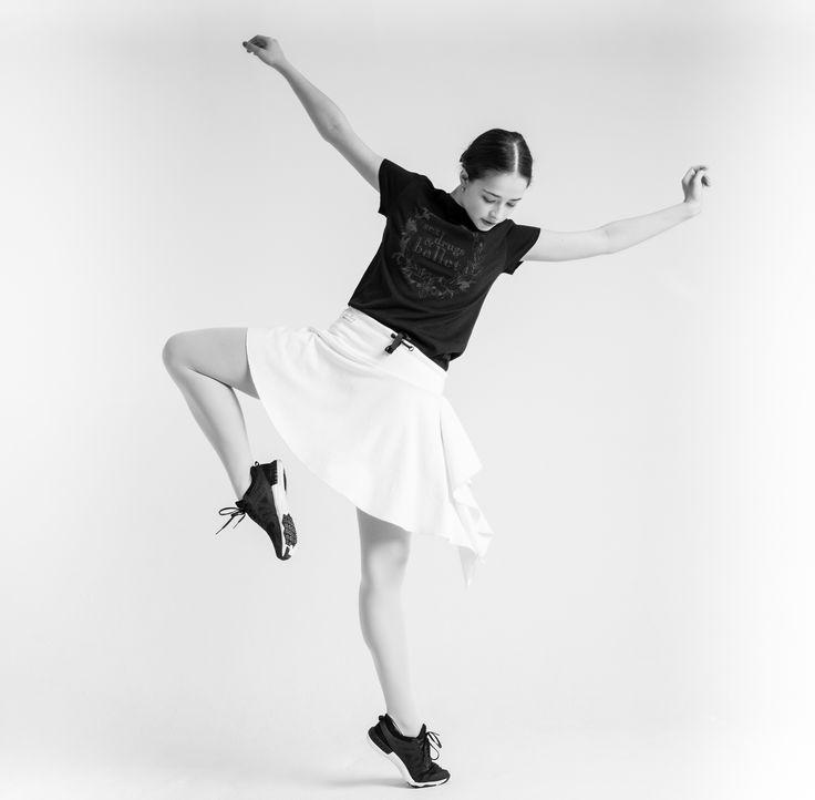 На следующей неделе Вас ждут хорошие новости,  от которых всем захочется танцевать!:) На фото - Жанна Губанова. Фото Алисы Аслановой Next week you are waiting for good news, from which everyone will want to dance! :) @zhanna_gubanova on photo Photo by @alisaaslanova  #balletmaniacs #balletwear #russianballet #balletbeautyfulgirls #balletphoto #worldwideballet #balletpost #ballerina #dance #goodnews