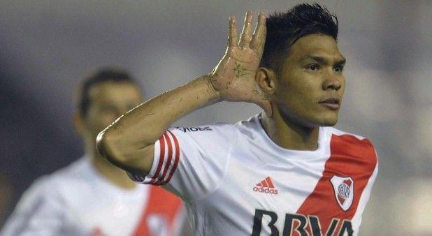 'Teo' Gutiérrez, el único de la Selección que marcó este fin de semana en el exterior
