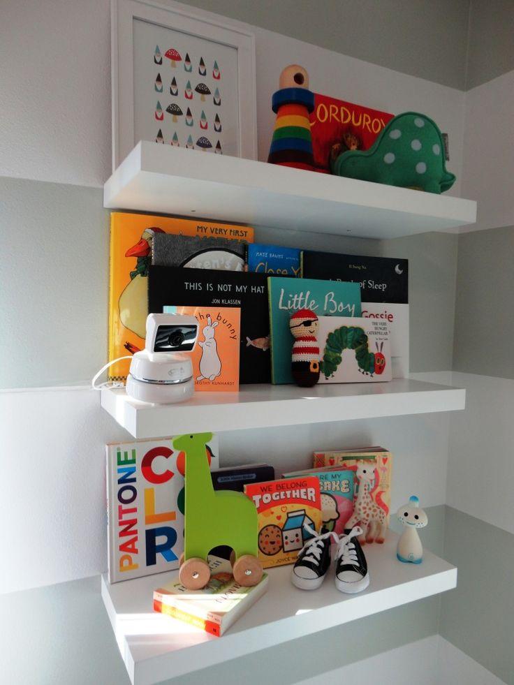 Great way to display your kids' books. #storage
