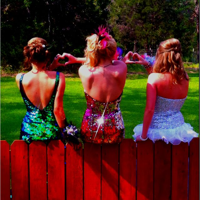 Prom picture idea with my favorite gals!!!!
