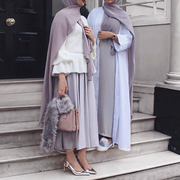 "4,269 Beğenme, 46 Yorum - Instagram'da CHIC HIJAB ﷽ (@chichijab): ""Left or Right?! Or both ❤️ #chichijab"""