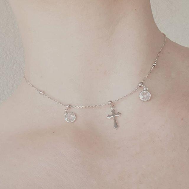 Wyjatkowo subtelny choker - alternatywa dla tradycyjnego krzyzyka. Wykonany ze srebra 925 ozdobiony cyrkoniami 💎💍💄👡👛💞 https://www.lydiana.pl/pl/p/Srebrny-Choker-z-kamieniami-Cross-925/476 69.90 PLN   #silverjewellery #bizuteriasrebrna #bizuteriagwiazd #goldjewellery #zlotabizuteria #goldjewellery #jewellery #necklace #choker#leather #leatherchoker #velvetychoker #chokernecklace #cross #crossnecklace #celebrytki #celebrytka #celebritynecklace #polishgirl #polskadziewczyna…
