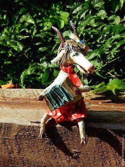 Весёлый Козел - ярко-красный,козлик,год козы,новогодний подарок,новогодний сувенир