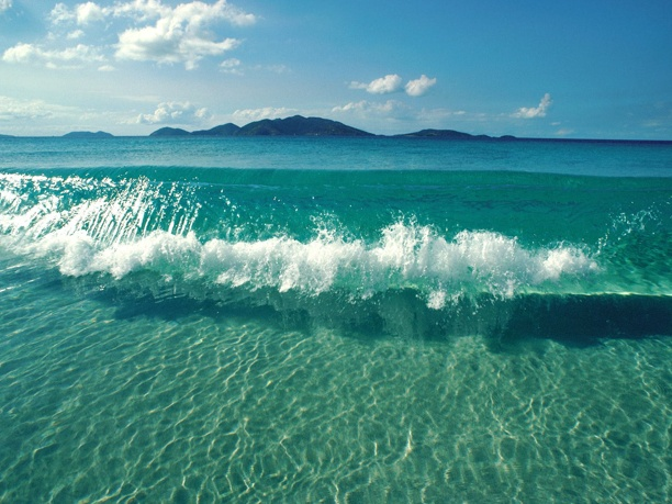 Waves of inspiration: Crystals, Oceanwaves, Clear Water, Blue, The Ocean, Ocean Waves, Summer, The Bahama, The Waves