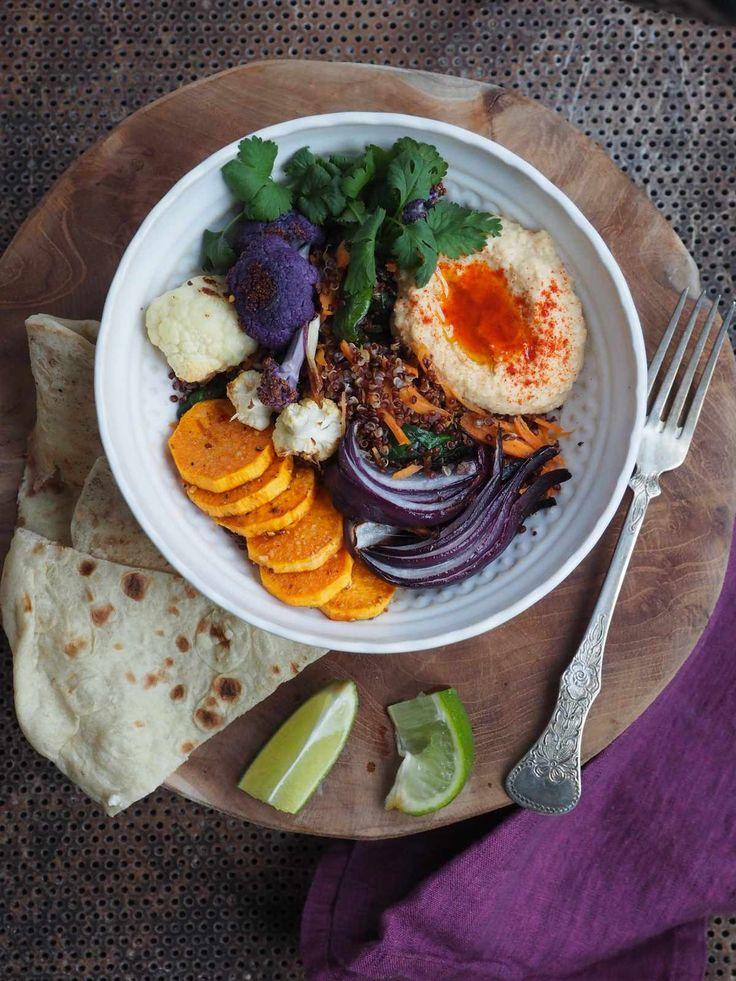 Quinoa med lettgrillede grønnsaker og hummus