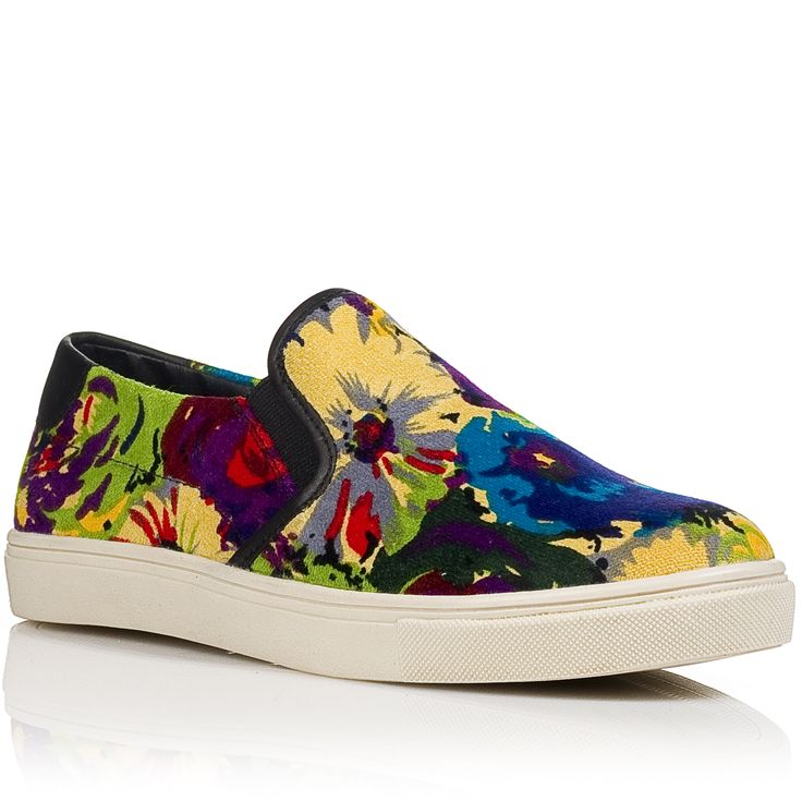 Steve Madden slip-on sneaker SS15 |Shop online: www.nak.gr