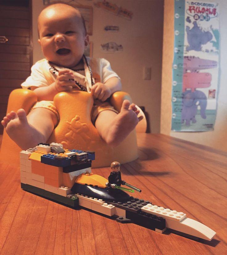 レゴオリジナル作品&ご機嫌の弟  #レゴ #スターウォーズ #レゴスターウォーズ #宇宙船 #ルークスカイウォーカー #オリジナル #6歳8ヶ月 #赤ちゃん #弟 #生後4ヶ月 #バンボ #ご機嫌 #LEGO #starwars #legostagram #spaceship #lukeskywalker #original #6yearsold #brother #baby #4monthsold #bambo #smile by indigo.k