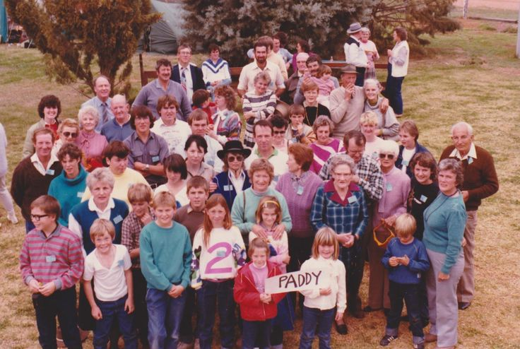 Paddy Mathews descendants Louth Reunion 1985, see list for names.