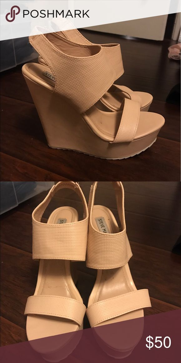 Steve Madden platform wedges cream PRICE NEGOTIABLE. Got these in size 9 because they didn't have 8.5 (my size) but they are too big! Wore them once bc I wanted to try to get them to fit but they were too big Steve Madden Shoes Wedges