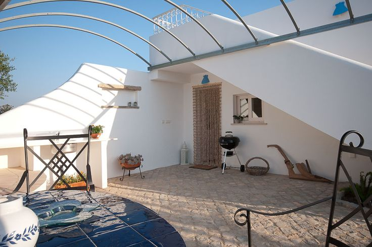 Casa Flor de Sal: Flamingo House patio with BBQ and outdoor dining facilities. Holiday rentals, East Algarve, Portugal. Click to find out how to book this private sub-tropical paradise!