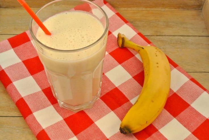 Een goed ontbijt is erg belangrijk. Met deze smoothie begin je de dag goed, nog een banaantje erbij en je hebt gelijk voldoende fruit voor de rest…
