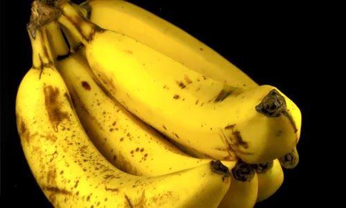 Manfaat Buah Pisang untuk Kesehatan - Buah pisang sudah jadi sajian sehari-hari yang umum di jumpai hampir di semua meja makan keluarga Indonesia. Harganya yang terjangkau serta rasanya yang enak memang jadi satu kelebihan pisang selain tentu saja manfaat yang dihasilkan bila Anda mengonsumsinya.
